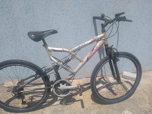 Bike suspensão no quadro e garfo