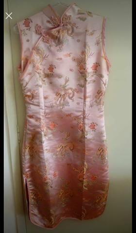 Vestido de seda chinesa