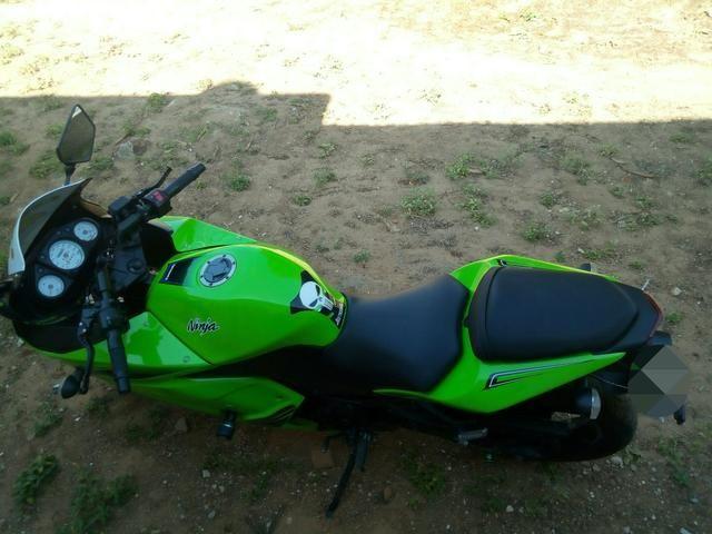 Ninja 250 vendo ou troco em moto do meu interese - Foto 5