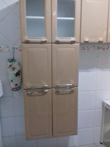 Armário de cozinha e geladeira frost free - Foto 4
