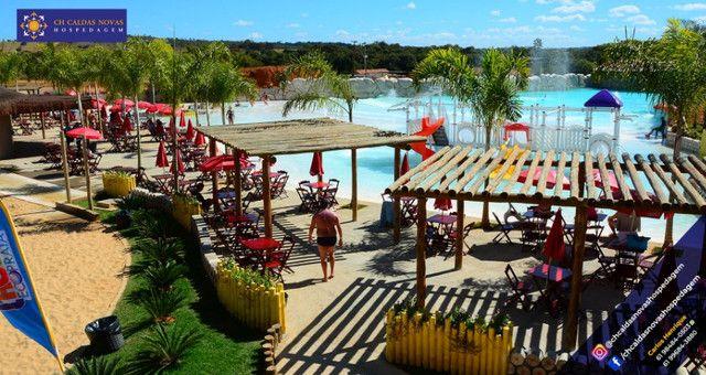 Que Tal? Ter acesso a dois Maravilhosos Parques Aquáticos Hospedagem em Caldas Novas - Foto 9