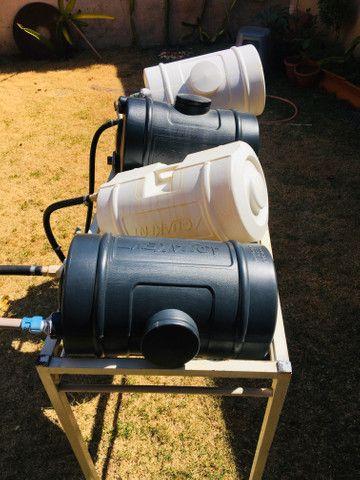Caixa De Água Pequena - com cinta e bóia - 24 Litros P/ Aquedor Solar - Foto 2