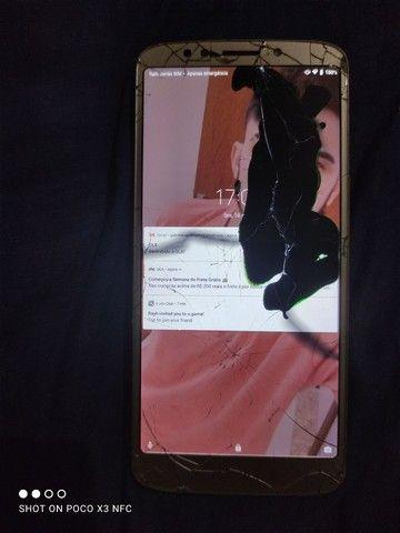 Moto G6 play tela trincada mais funciona TD
