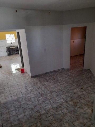 Alugo casa com 02 quartos e 01 suíte, situada na Avenida do Novo Fórum (Parnaíba-PI) - Foto 4