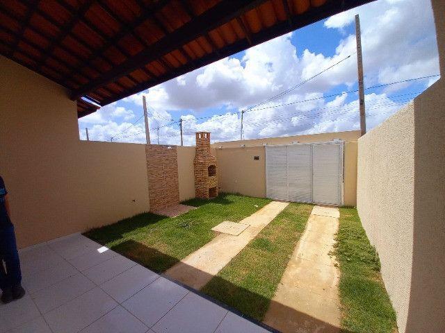DP casa nova com 2 quartos 2 banheiros com sala 2 ambientes e garagem - Foto 3