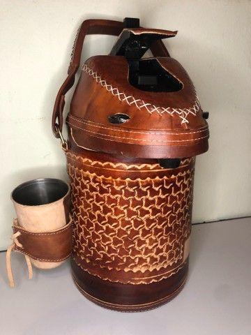 Garrafa de inox encapada de couro - 2,5 litros (terere) - Foto 5