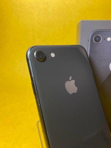 IPhone 8 64Gb semi novo Impecável  - Foto 2
