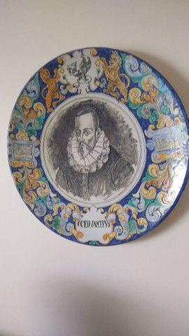 Belíssimo prato antigo Cervantes