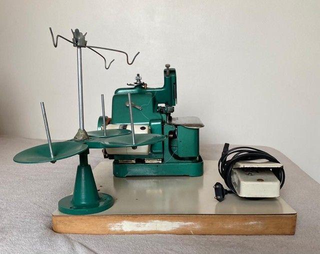 Maquina de Costura Overlock - Foto 2