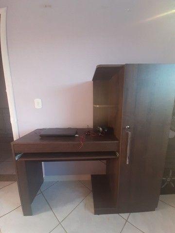 Escrivaninha/ mesa de escritório