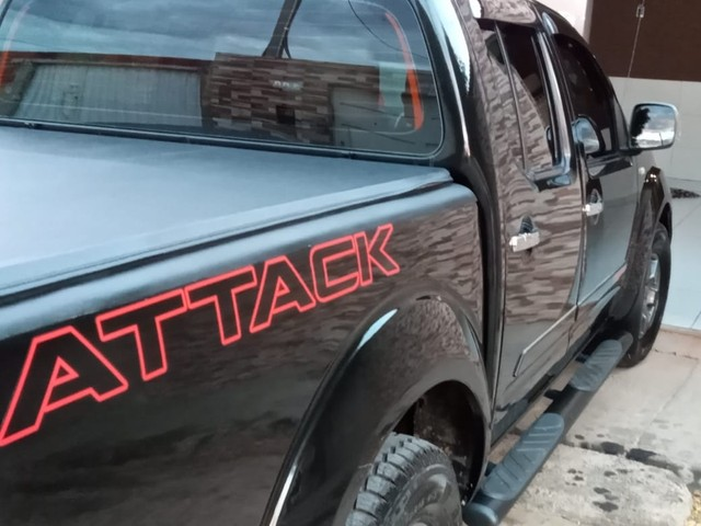 Nissan Frontier SV ATTACK CD 4x2  - Foto 2