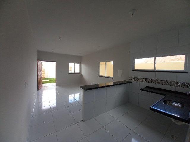 DP casa nova com 2 quartos 2 banheiros com sala 2 ambientes e garagem - Foto 6