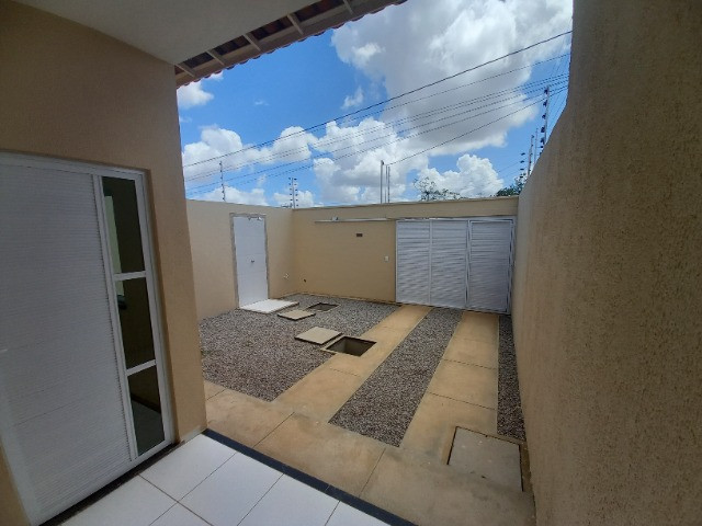 JP casa nova de 3 quartos 2 banheiros em rua asfaltada e do lado da sombra - Foto 2