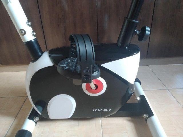 Bicicleta ergométrica magnética vertical kikos kv 3.1 - 8 velocidades - Foto 2