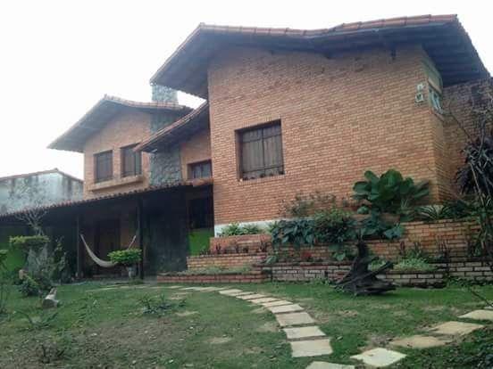 Alugo quartos para moças perto UFMG ,UEMG,UNIFENAS ,FUNDAÇAO JOAO PINHEIRO