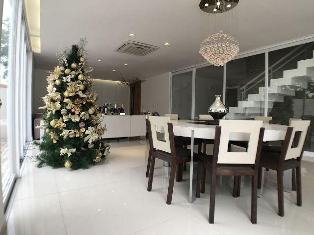 Casa em Condomínio Alto Padrão - 5 Suítes - Projetada - Espaço Gourmet- Piscina Privativo