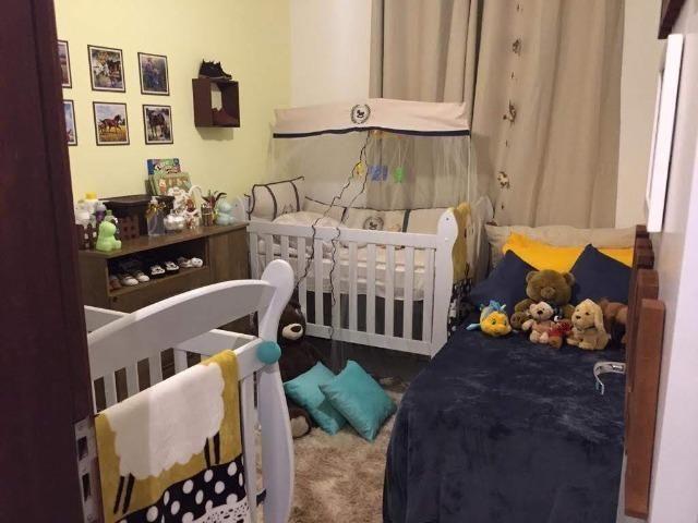 Apartamento mobiliado e decorado com excelente localização - Foto 8