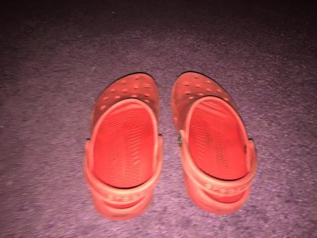 Crocs ótimo número 12,13 infantil - Foto 3