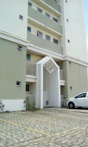 Apartamento mobiliado e decorado com excelente localização - Foto 13