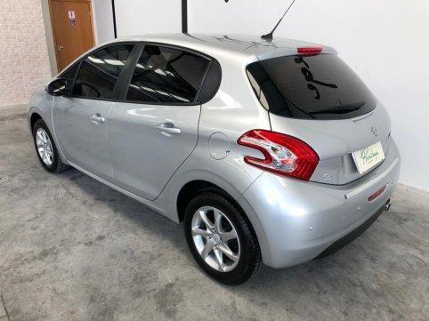 Vendo carro Peugeot 208
