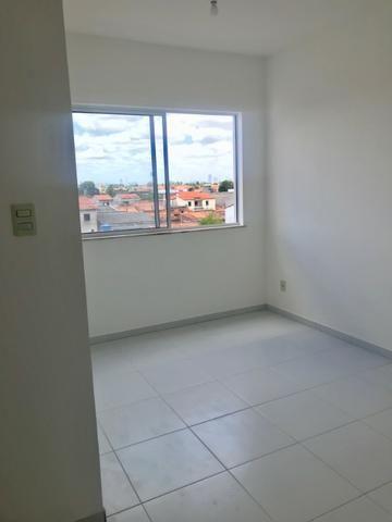 Excelente Apartamento para alugar. Villa Imperial 2/4 com suite bairro tomba - Foto 6