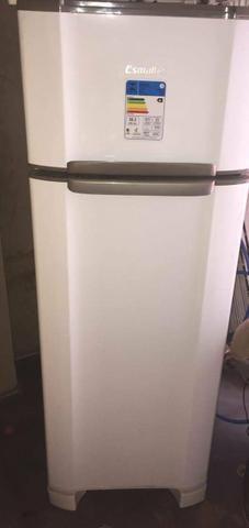 Refrigerador RCD34 276L - Foto 2