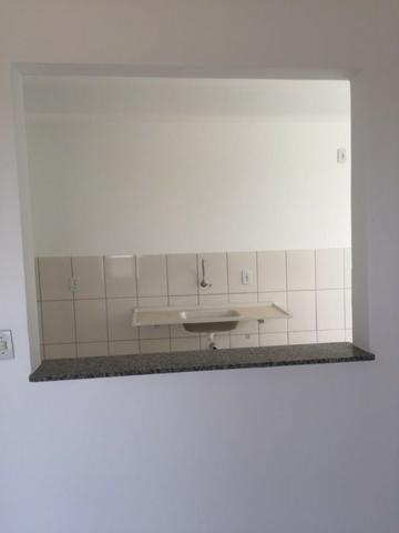 Apartamento em cond club 2qtos 1 vaga lazer completo ac financiamento e carro - Foto 2