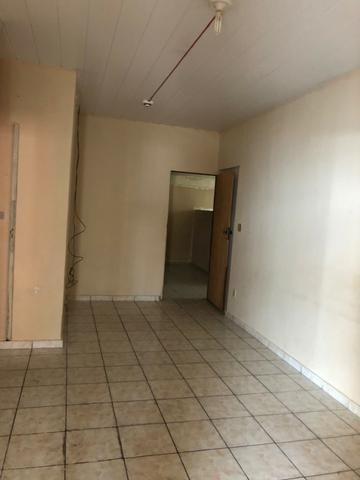 Aluga-se apartamento térreo no Centro - Foto 4