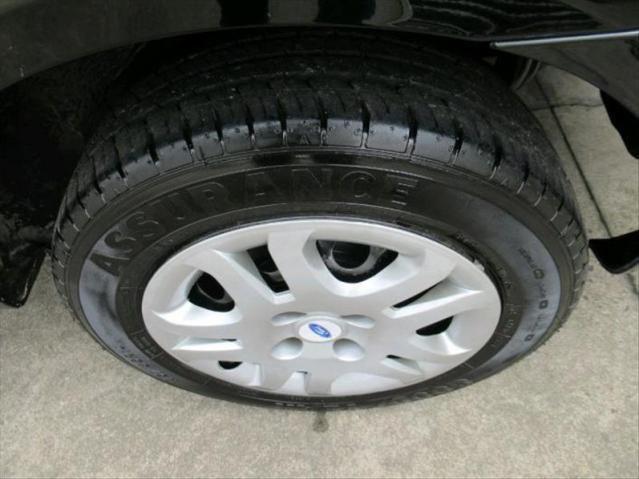 Ford Fiesta 1.6 Mpi Sedan 8v - Foto 2