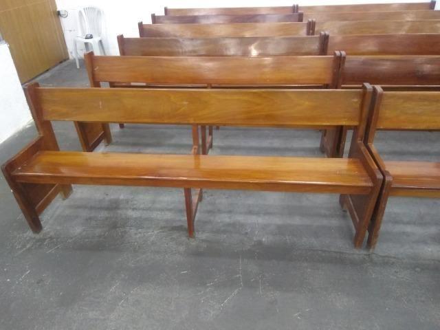 Bancos de madeira - Foto 2