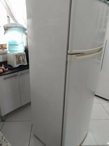 Refrigerador Consul Biplex 334 Litros - 127V - Usado - Foto 5