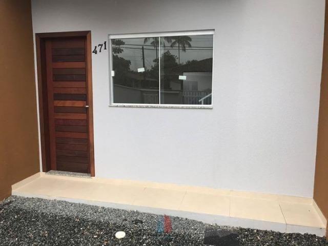 Sobrado Geminado em Rua Asfaltada no Bairro Itaum - Foto 3