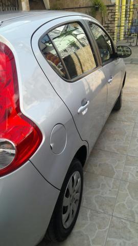 Vendo veículo Pálio 1.4 completo com placa Mercosul - Foto 8