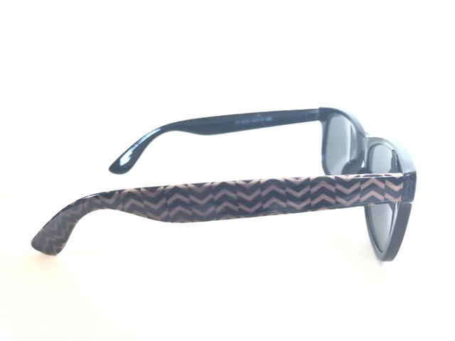Óculos De Sol Preto. Unissex. Armação Em Acetato com Detalhe Étnico