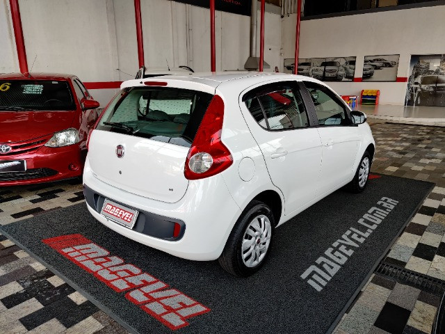 Fiat Palio atractive 1.4 Completo Ano 2014 com gnv ! - Foto 3