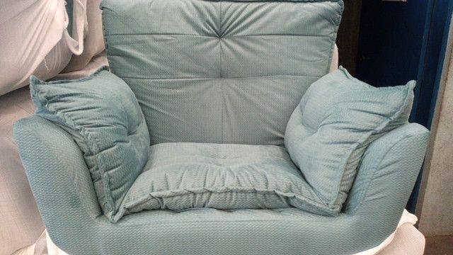 Poltrona decorativa com pillow top