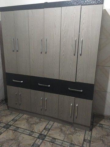 Guarda roupa casal - 6 portas e 3 gavetas