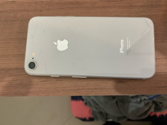 IPhone 8 - Branco - 64 GB