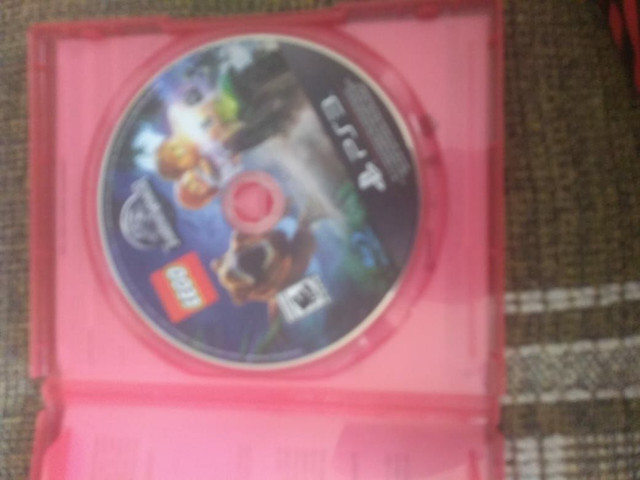 Jogo lego Jurassic world  PS3 semi novo  - Foto 2