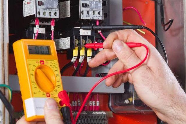 Ax de eletricista