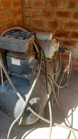 Lava jato automotivo e um compressor  - Foto 4