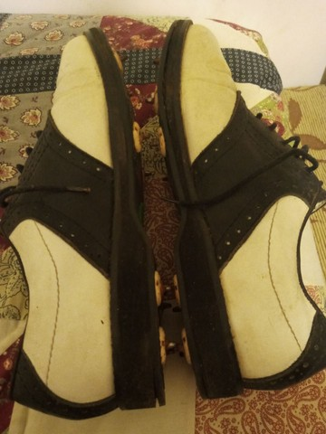 Sapatos de golf em couro branco e preto - Foto 2