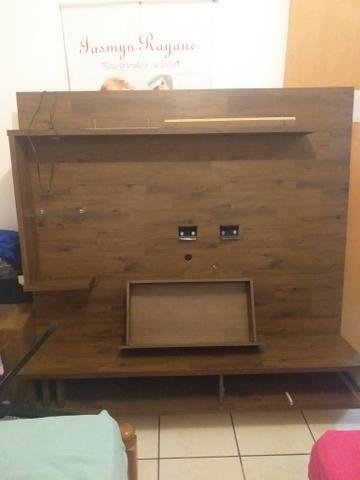 Estou vendendo uma rack de parede de TV semi usada bem conservada - Foto 2