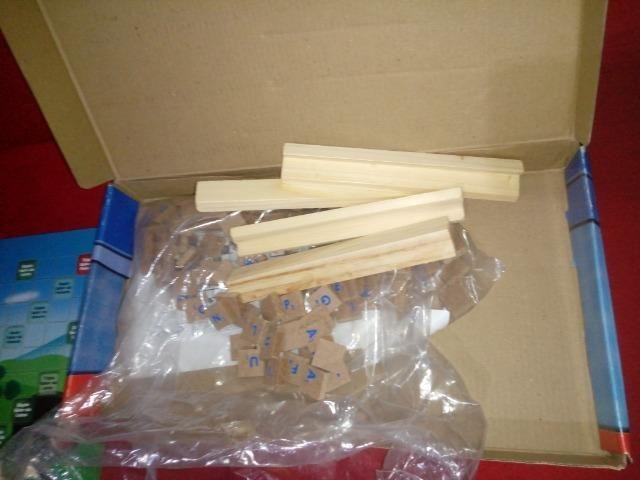 Jogo Pedagogico 120 peças( revestidas em madeira) - Foto 4