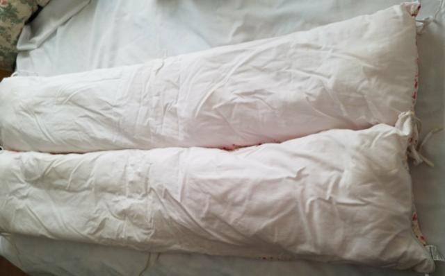 Kit de berço menina (Muito conservado) 4 peças branco e rosa - Foto 3
