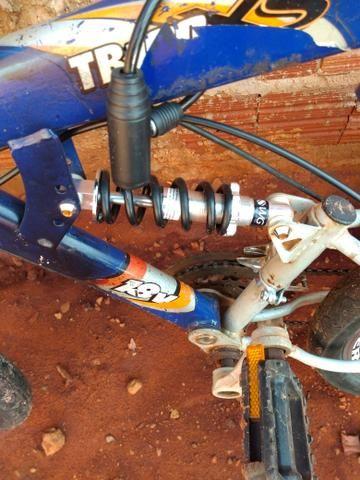 Bicicleta com amortecedor semi nova - Foto 3