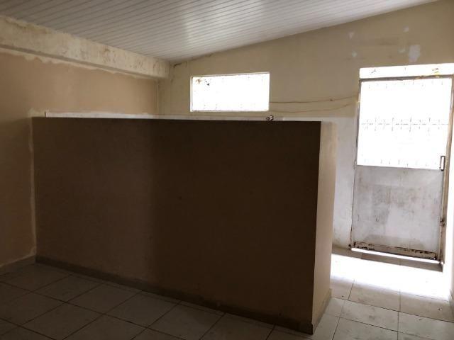 Aluga-se apartamento térreo no Centro - Foto 2