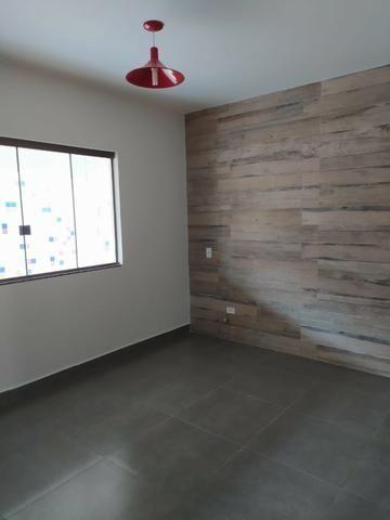 Vende - se imóvel com 02 apartamentos escriturados e com habite-se no Setor Aeroporto - Foto 4
