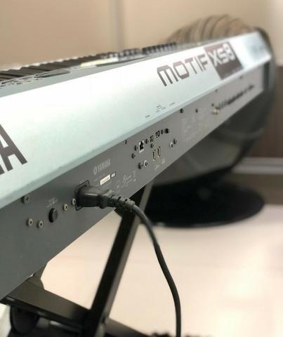 Yamaha Motif XS8 com case ótimo estado - Foto 2