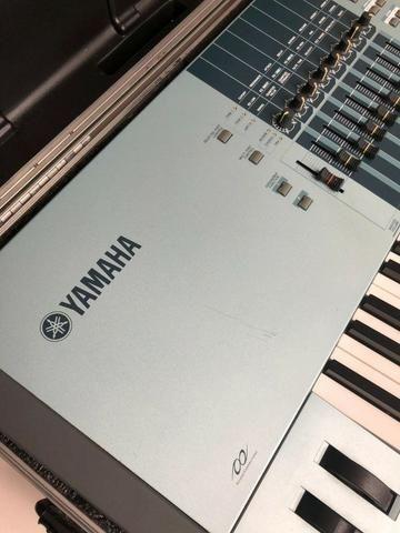 Yamaha Motif XS8 com case ótimo estado - Foto 4